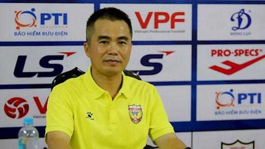 """Hà Nội 1-1 Hồng Lĩnh Hà Tĩnh- HLV Minh Đức """"chê"""" các cầu thủ không dám đá"""