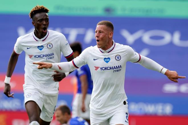 Wolves 2-1 Chelsea- Chelsea thua ngược ở phút 90+5, Lampard trách học trò