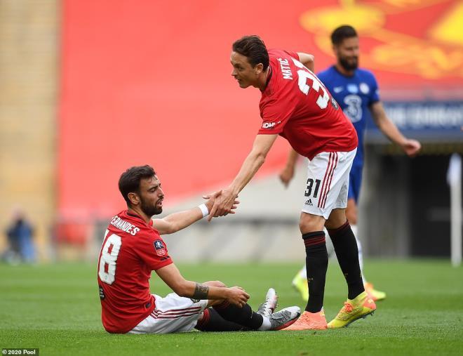 MU 1-6 Tottenham- Martial nhận thẻ đỏ, Solskjaer muốn tự kiểm điểm trước gương