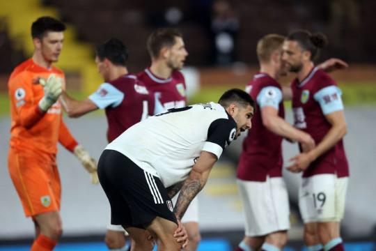 Fulham 0 - 2 Burnley- Đại diện Premier League cuối cùng xuống hạng